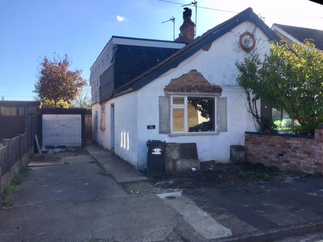 Detached Dormer Bungalow For 9: Semi-detached Bungalow In Nottingham