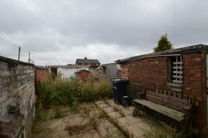 End Of Terrace House In Buckley 7 Lloyds Hill Sdl Auctions