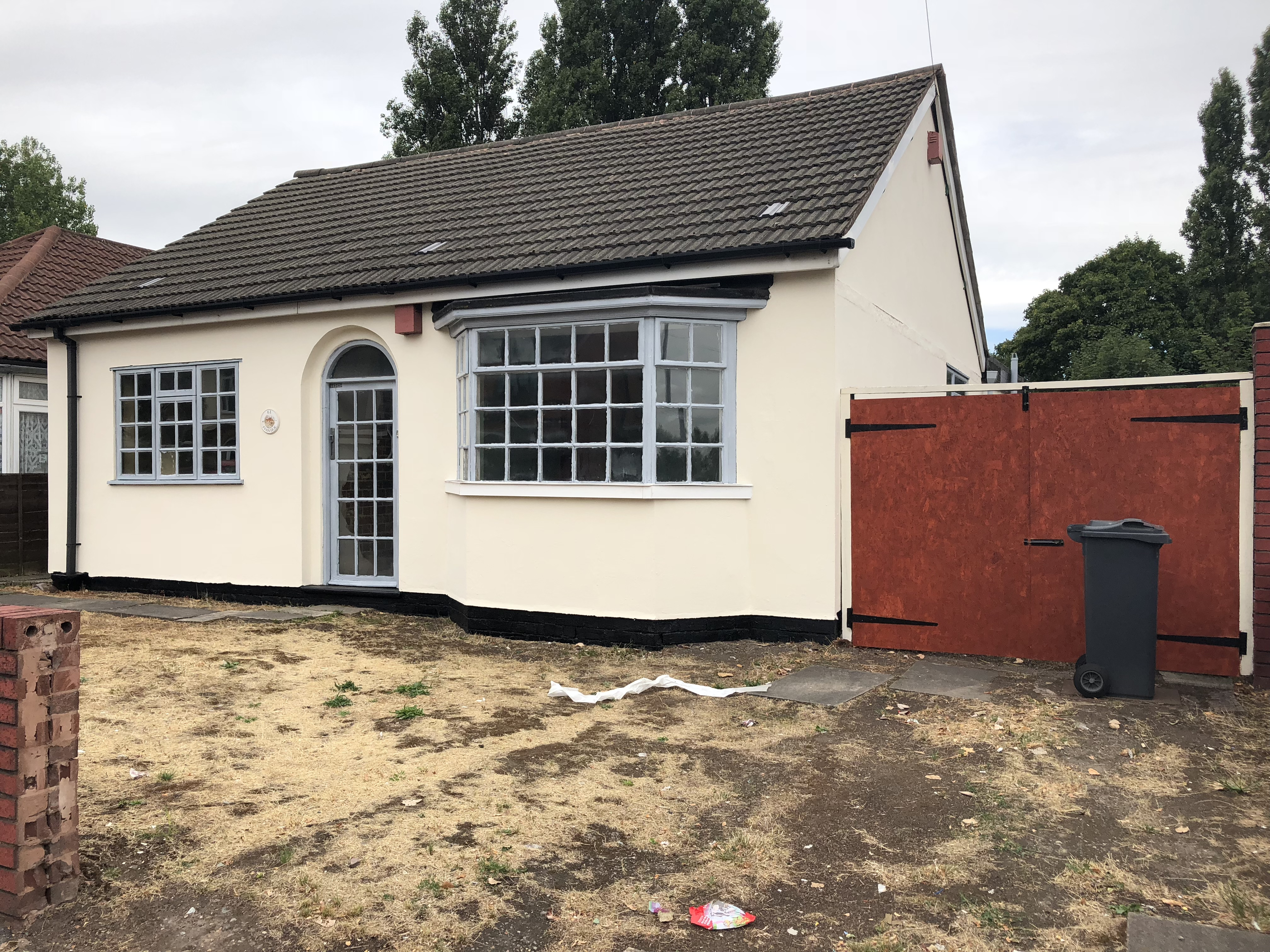 Bungalow In Willenhall 61 Bilston Lane Sdl Auctions