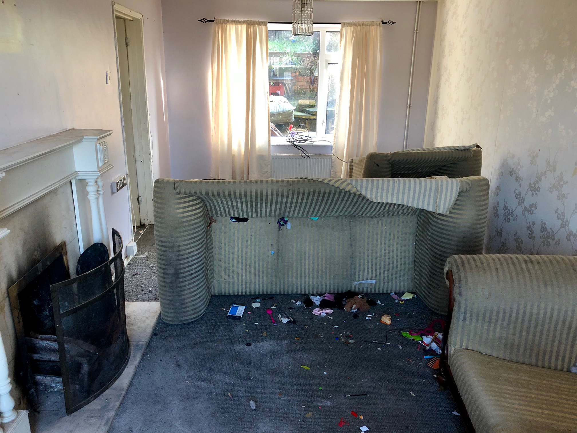 S44 Bus Time >> Terraced House in Chesterfield | 19 Springfield Crescent ...